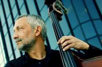 Don't Fence Him In: Jazz bassist Ron Brendle doesn't like labels