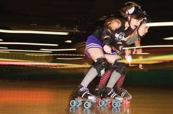 How they roll: QC derby girls know teamwork